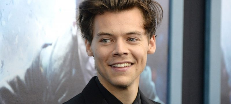 Harry Styles Left a Fan a Note When His Car Broke Down in Front of Her House