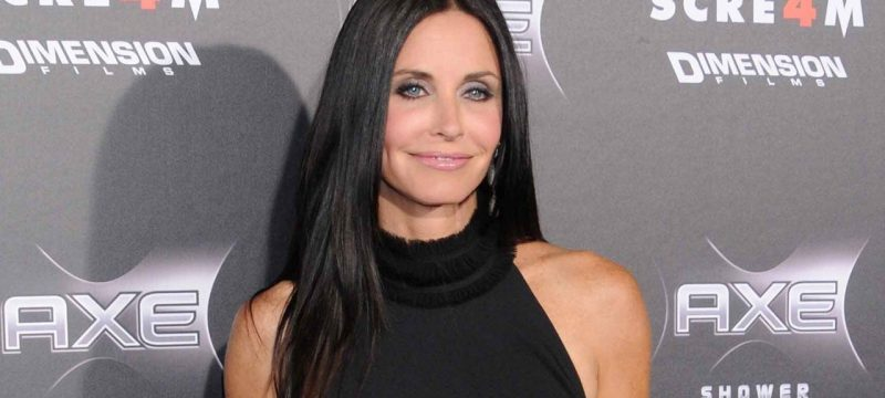 Courteney Cox Commemorates Wrapping Production on 'Scream 5' With Sweet Snapshots