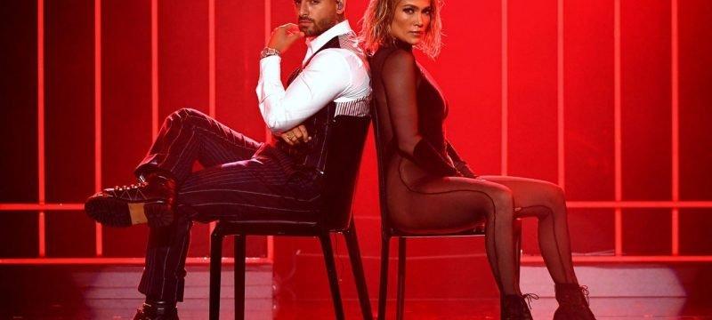 Jennifer Lopez and Maluma Heat Up AMAs Stage With 'Pa' Ti' and 'Lonely' Performance