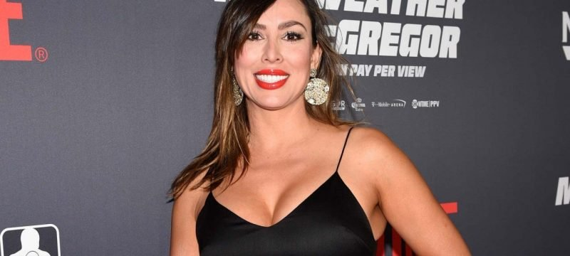 'RHOC' Star Kelly Dodd's Mom Has COVID-19 After Reality Star's Controversial Pandemic Comments