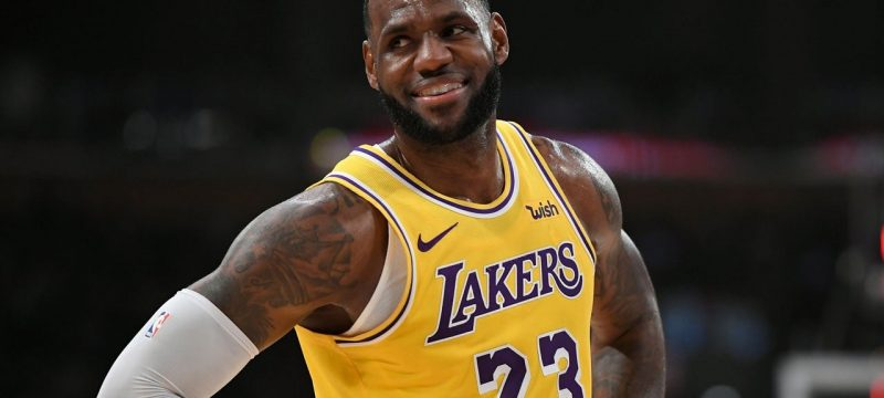Lakers Will Play Games Without Fans for 2020-2021 Season 'Until Further Notice'