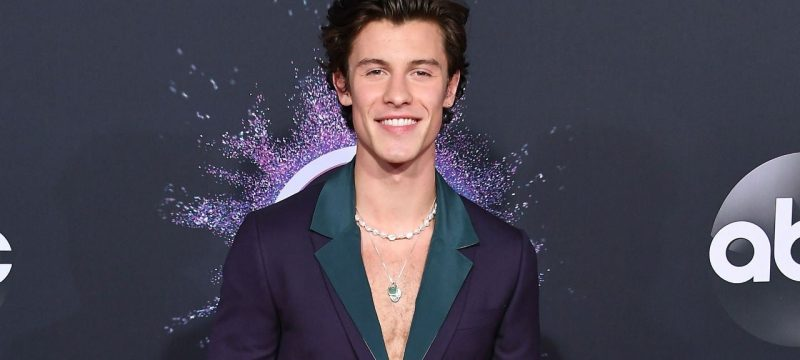 Shawn Mendes and Justin Bieber Open the 2020 American Music Awards With Show-Stopping Duet