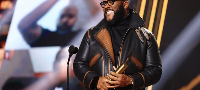 Tyler Perry Delivers Inspiring Message of Perseverance During People's Choice Awards Acceptance Speech
