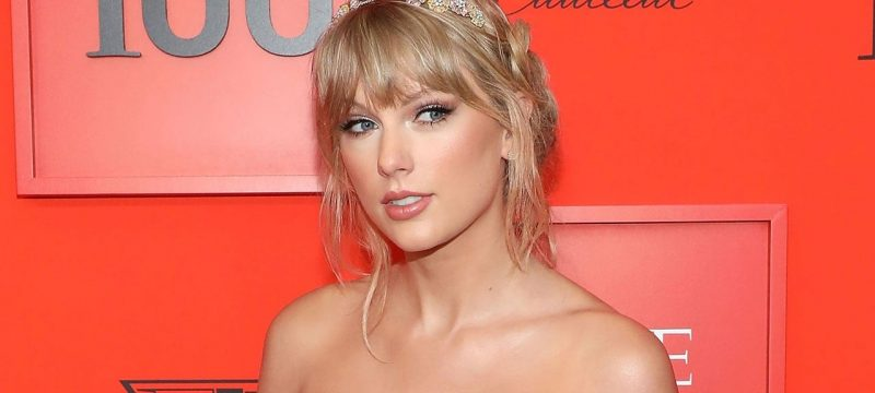 Taylor Swift Donates $13,000 to Two Financially Struggling Moms' GoFundMe Campaigns