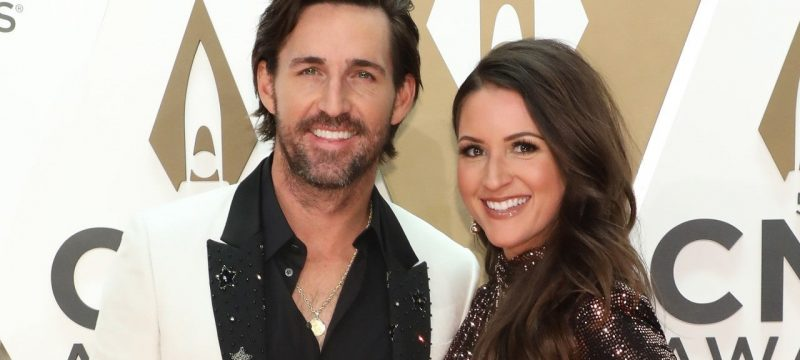 Jake Owen Is Engaged to Girlfriend Erica Hartlein — See the Sweet Pics!