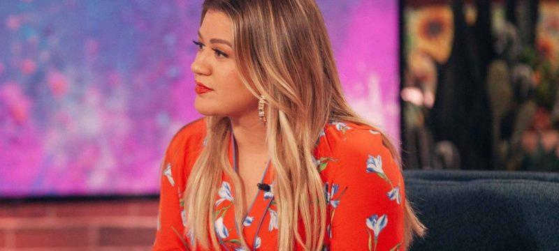 Kelly Clarkson Says Going Through a Divorce Is 'Horrible'