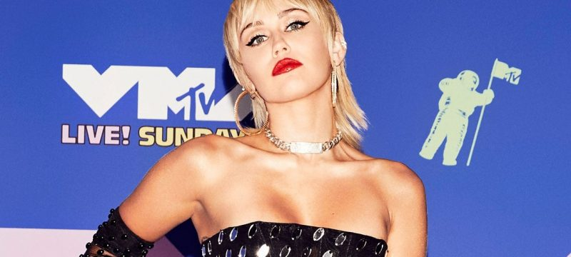 Miley Cyrus Explains Why She Feels Women Are 'Way Hotter' Than Men