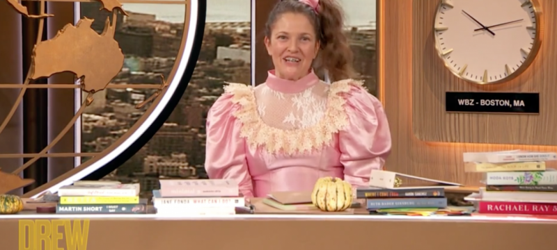 Drew Barrymore Reprises Her 'Never Been Kissed' Role on Her Talk Show